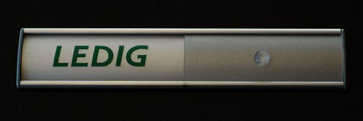 150 mm langt ledig-opptatt skilt. Produktnummer for bestilling: 301160093