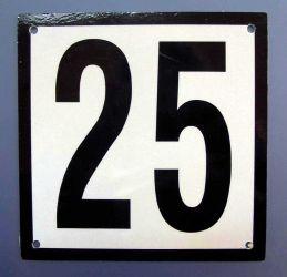 Husnummerskilt. Produktnummer til bestilling:150-25
