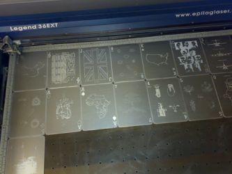 Kortstokk for fredssenteret i Oslo, i metall