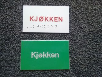 (Punktskrift dvs. braille).
