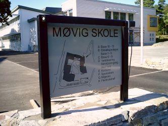 Utvendig overssiktskart til Møvig skole